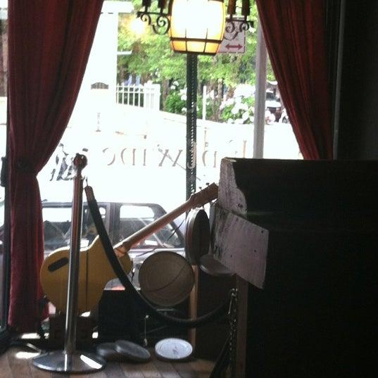 Foto tomada en Entwine por DJ Crystal Clear el 6/5/2012