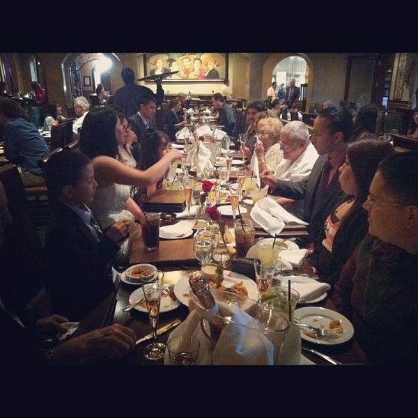 Foto tomada en Casa Sanchez por Ryan el 6/1/2012