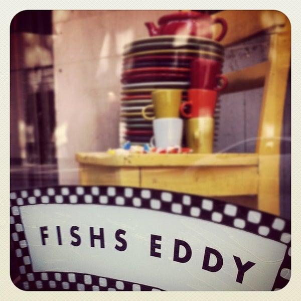 Das Foto wurde bei Fishs Eddy von Mark B. am 3/30/2012 aufgenommen