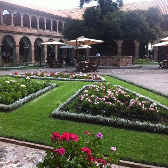 Foto diambil di Belmond Hotel Monasterio oleh Susana A. pada 4/6/2012