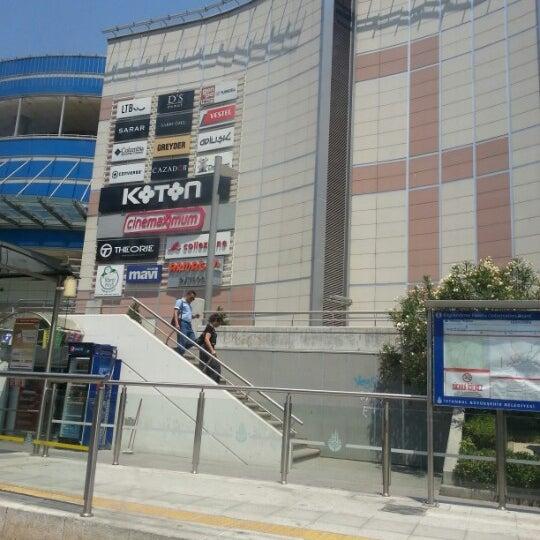 Foto scattata a Kale Outlet Center da Serkn S. il 7/12/2012