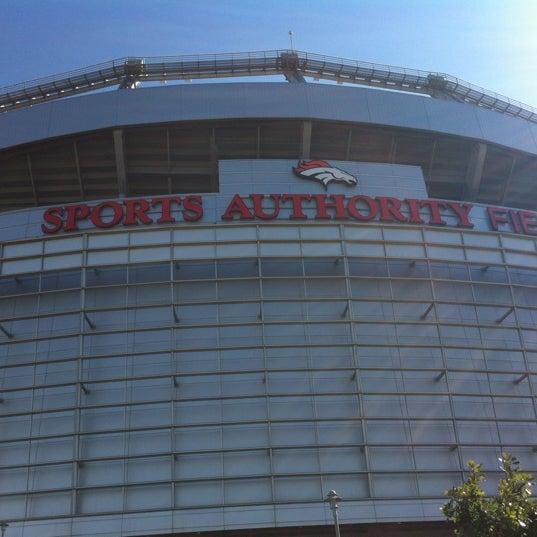 Foto diambil di Broncos Stadium at Mile High oleh Chad C. pada 9/9/2012