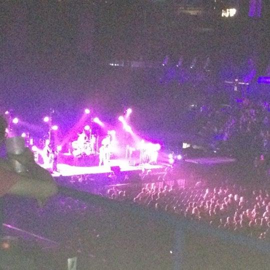 รูปภาพถ่ายที่ Allstate Arena โดย Joan Cristy M. เมื่อ 5/29/2012
