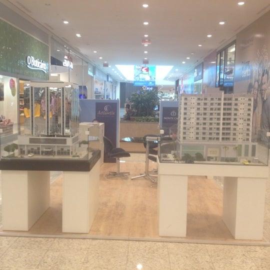 รูปภาพถ่ายที่ Norte Shopping โดย Uwe R. เมื่อ 4/17/2012