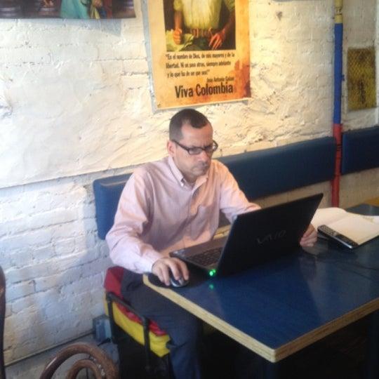 Das Foto wurde bei Bogota Latin Bistro von Farid L. am 5/31/2012 aufgenommen