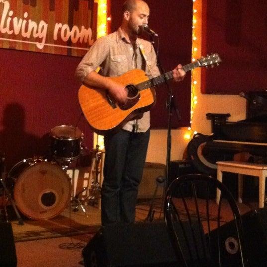 Снимок сделан в The Living Room пользователем Dave C. 8/8/2012