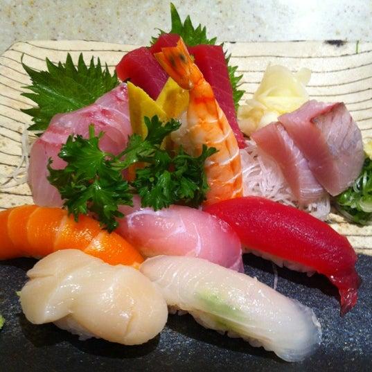 Photo prise au Sushi Zen par Adam S. le3/25/2012
