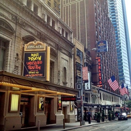 Foto tomada en Hurley's Saloon por Scott el 7/21/2012