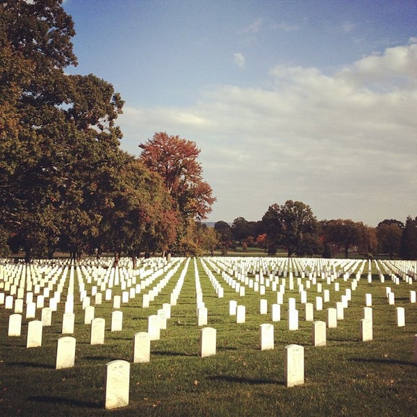 Photo prise au Arlington National Cemetery par Justin H. le10/22/2011