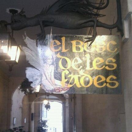 รูปภาพถ่ายที่ El Bosc de les Fades โดย Turieco เมื่อ 5/1/2011