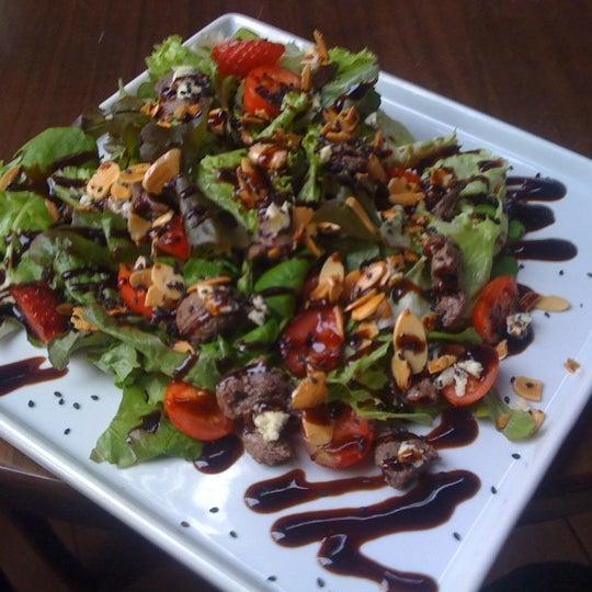 Salada poison ivy! Como Diria o proprietário... Explosão de sabores! Heheh