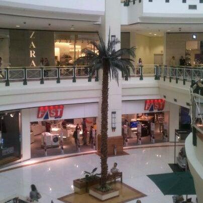 Das Foto wurde bei Shopping Iguatemi von Heder G. am 8/20/2011 aufgenommen