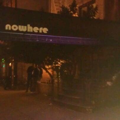 Das Foto wurde bei Nowhere Bar von Magic H. am 11/12/2011 aufgenommen