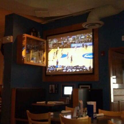 Foto scattata a Doc's Sports Retreat da BRIDGETTE F. il 3/17/2012