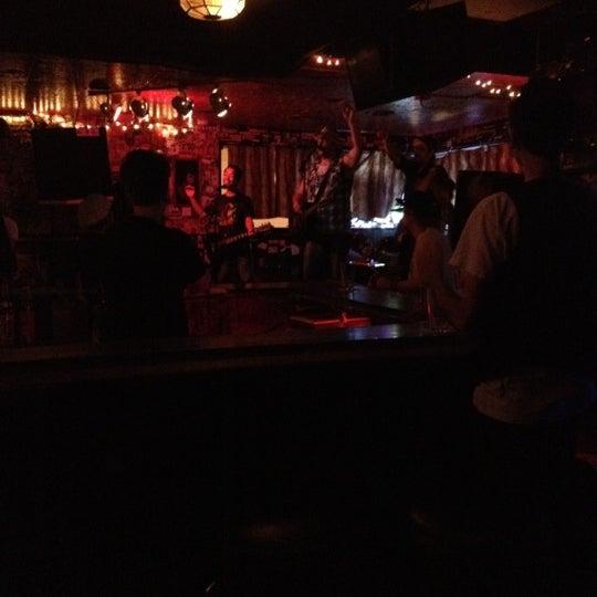Das Foto wurde bei Lion's Lair von Joe R. am 8/13/2012 aufgenommen
