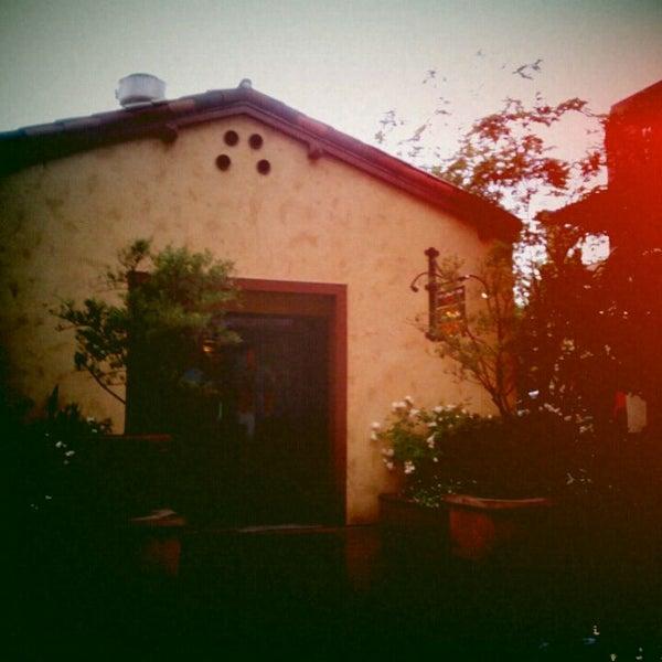 11/5/2011 tarihinde Jack C.ziyaretçi tarafından The Luggage Room Pizzeria'de çekilen fotoğraf
