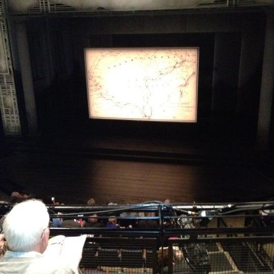 5/6/2012にThomas L.がSteppenwolf Theatre Companyで撮った写真