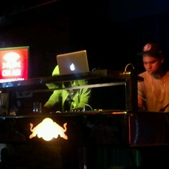 รูปภาพถ่ายที่ The Stage โดย annette p. เมื่อ 3/22/2012