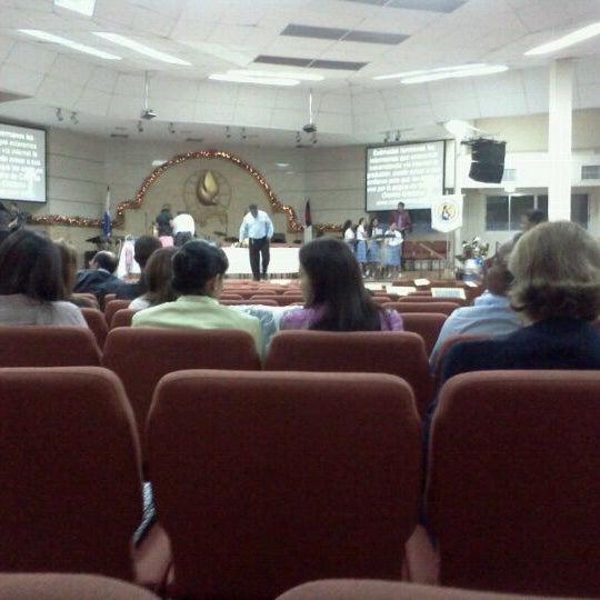 Foto tomada en Casa de Oración Cristiana por Mariano Q. el 12/15/2011