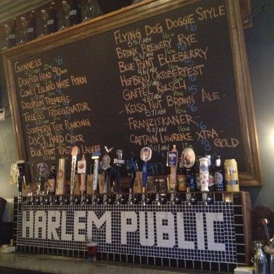 รูปภาพถ่ายที่ Harlem Public โดย Reggie V. เมื่อ 9/11/2012