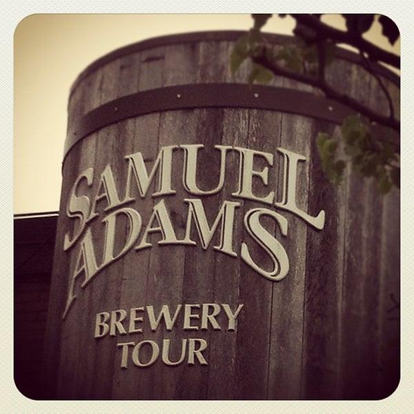 Photo prise au Samuel Adams Brewery par Kendra O. le5/5/2012