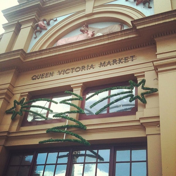 Foto diambil di Queen Victoria Market oleh Douglas C. pada 11/20/2011