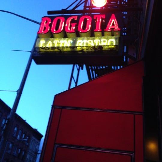 Das Foto wurde bei Bogota Latin Bistro von Tamika C. am 4/20/2012 aufgenommen