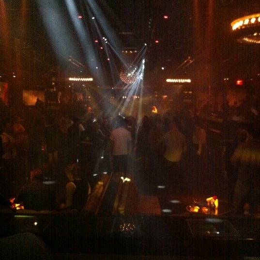 Photo prise au 1 OAK Nightclub par Mattan G. le3/1/2012