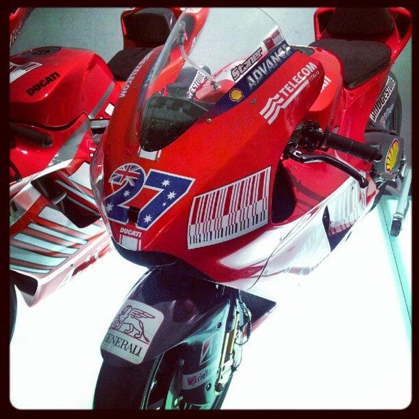 9/10/2012 tarihinde Ciccio F.ziyaretçi tarafından Ducati Motor Factory & Museum'de çekilen fotoğraf