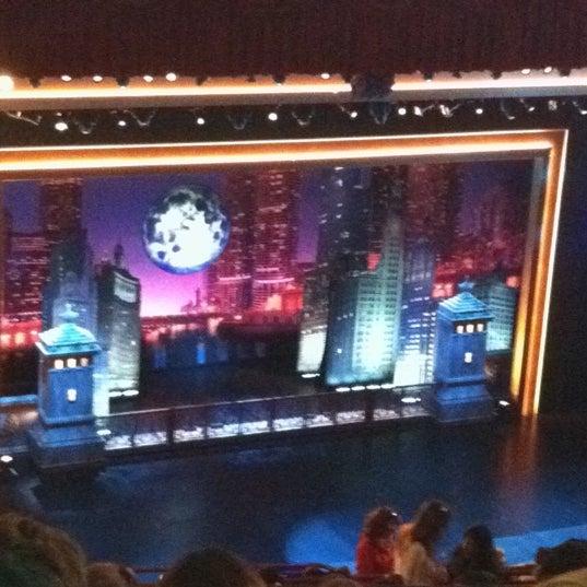 6/12/2012 tarihinde Jeni B.ziyaretçi tarafından The Chicago Theatre'de çekilen fotoğraf