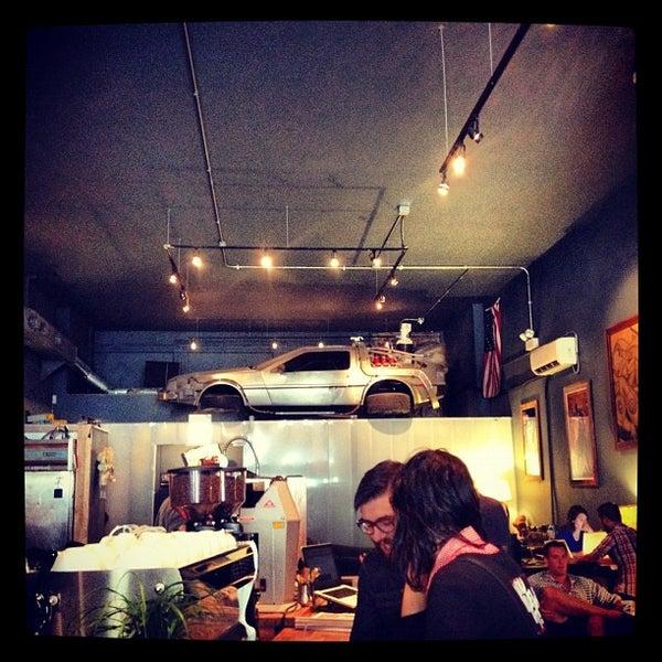 8/22/2012에 Denise H.님이 The Wormhole Coffee에서 찍은 사진