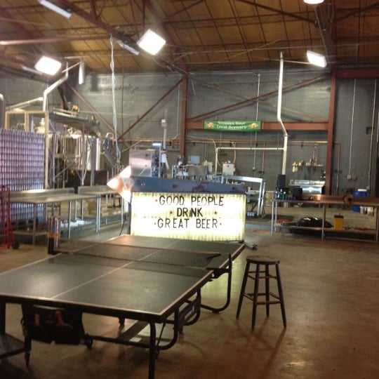 Foto diambil di Good People Brewing Company oleh Mitch E. pada 7/4/2012