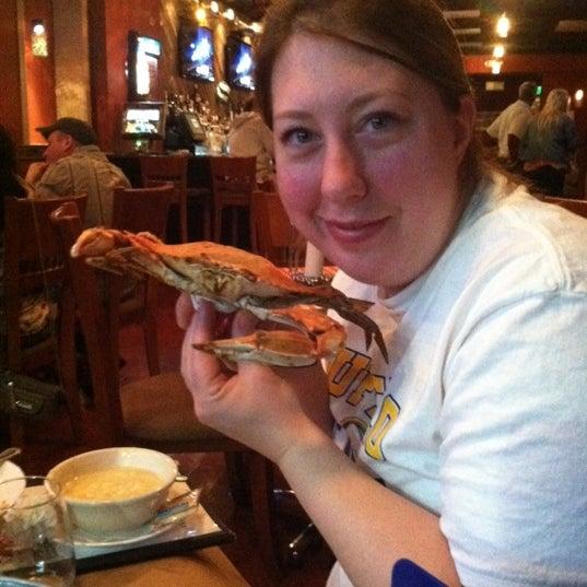 Foto diambil di S & J Crab Ranch oleh Alissa B. pada 4/8/2012