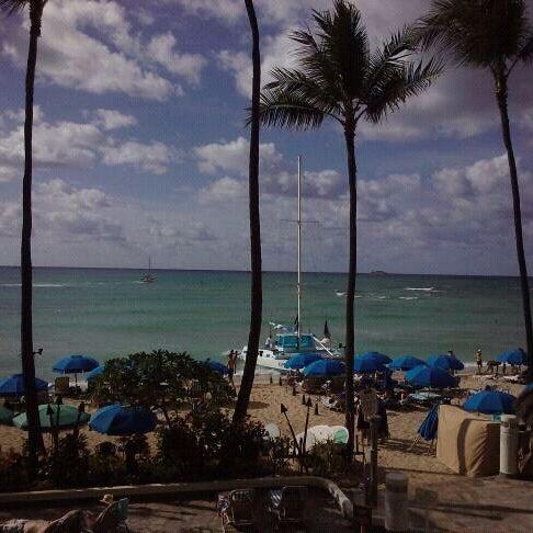 1/8/2011 tarihinde Suzanne F.ziyaretçi tarafından Hula Grill'de çekilen fotoğraf