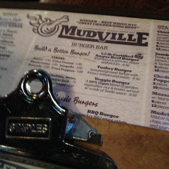 Photo prise au Mudville Restaurant & Tap House par Gregg S. le11/5/2011