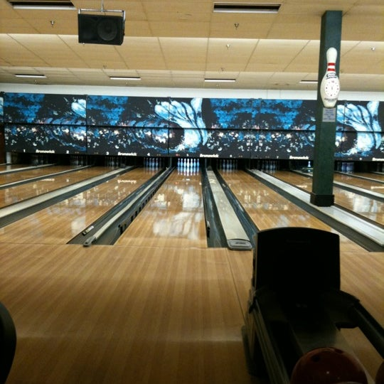 รูปภาพถ่ายที่ Park Tavern Bowling & Entertainment โดย Nathan R. เมื่อ 12/31/2010