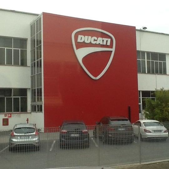 10/28/2011 tarihinde neysi85ziyaretçi tarafından Ducati Motor Factory & Museum'de çekilen fotoğraf