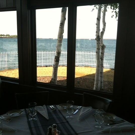 Foto tomada en Harbor House por Rick S. el 7/16/2012