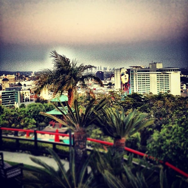 Foto scattata a Yamashiro Hollywood da Alex M. il 6/11/2012