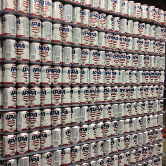 Foto diambil di Good People Brewing Company oleh Alys D. pada 3/31/2012