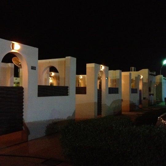 Foto scattata a Twina Park & Restaurant da Bander A. il 6/8/2012