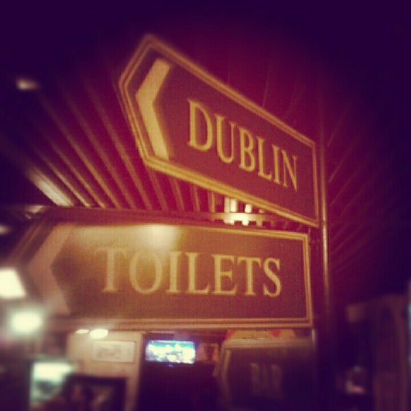 Foto diambil di All Black Irish Pub oleh Renan F. pada 7/27/2012