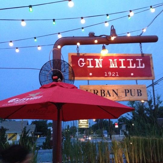 Photo prise au The Gin Mill par Penny K. le5/29/2012