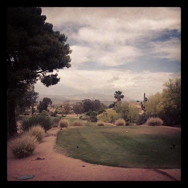 Das Foto wurde bei Desert Canyon Golf Club von Tommy R. am 5/8/2012 aufgenommen