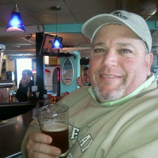 Foto tomada en Cabanas Beach Bar and Grill por Karen A. el 3/25/2012
