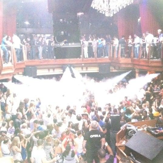 Photo prise au Opera Nightclub par Dipesh P. le7/19/2012