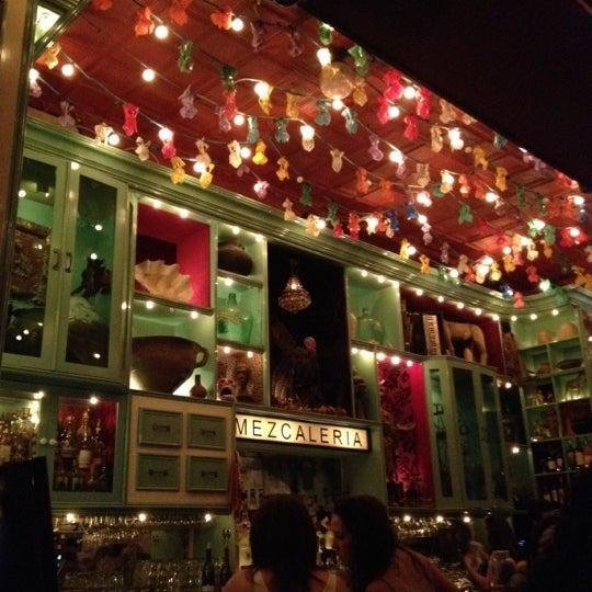 Foto tomada en Casa Mezcal por Grant O. el 4/21/2012