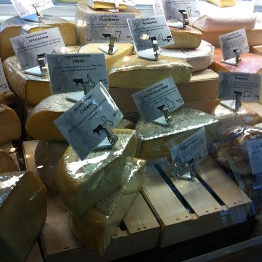Foto tomada en Beecher's Handmade Cheese por Melanie R. el 4/13/2012
