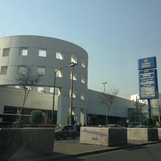 Снимок сделан в Plaza Universidad пользователем Luis Felipe S. 4/20/2012