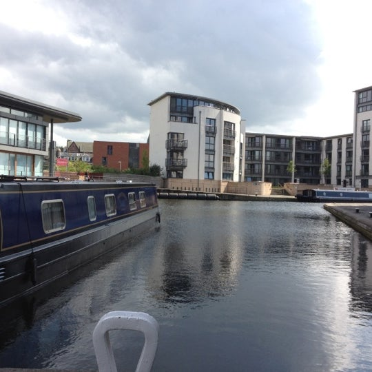Canal Place Apartments: Canal In Fountainbridge